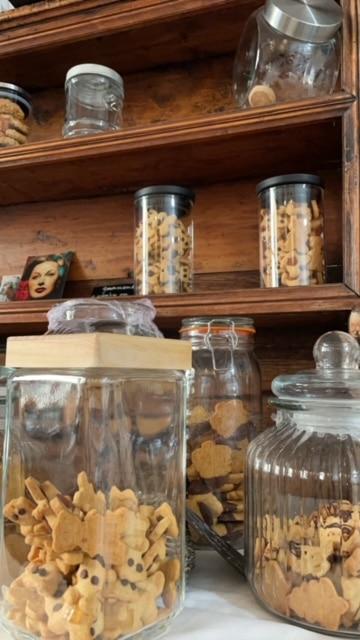 La Tour aux biscuits La Tour d'Aigues