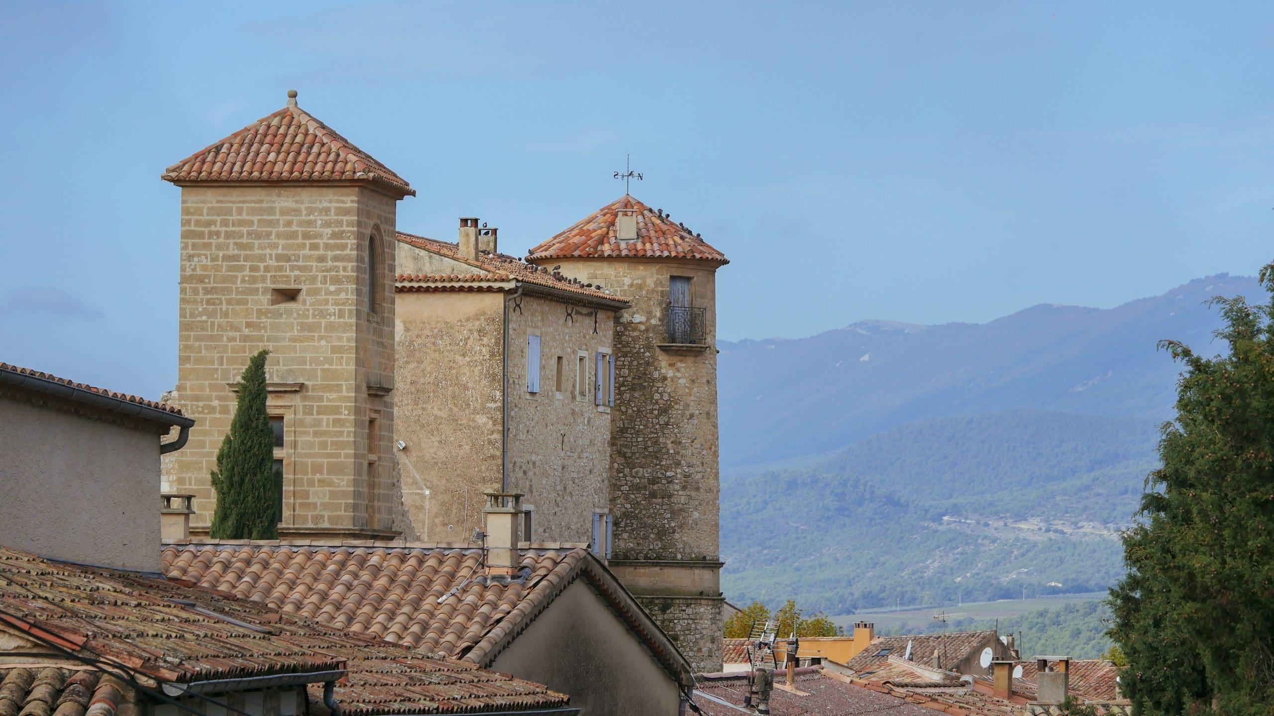 Village de la Bastide des Jourdans (Vaucluse) Luberon Sud Tourisme