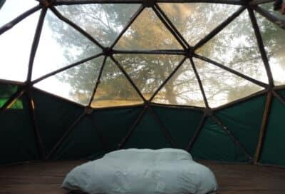Dôme géodésique  intérieur Camping à la ferme Roumavagi