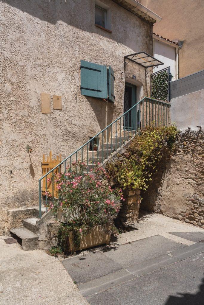 Les escaliers rue de la breche