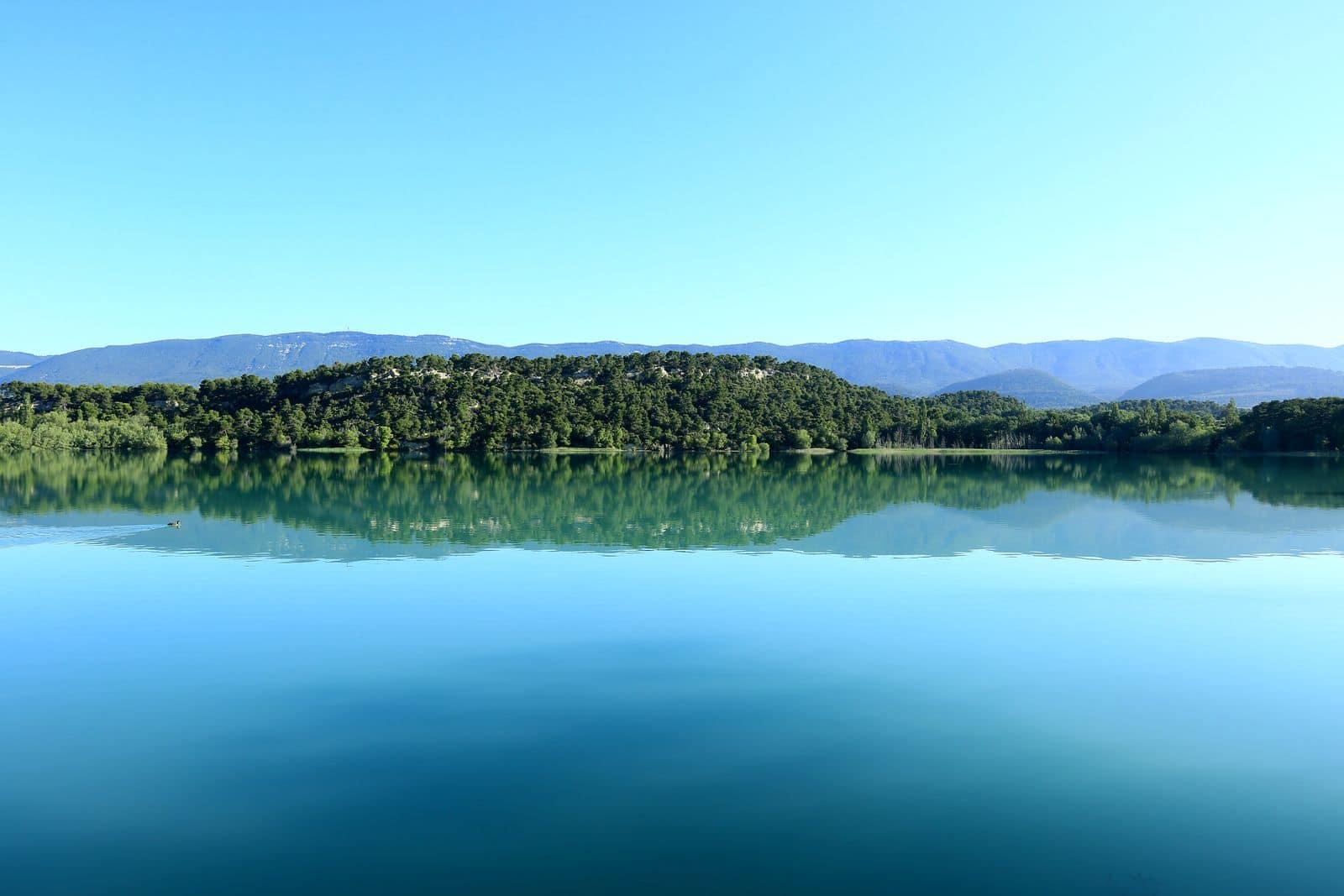 France, Vaucluse (84), parc naturel regional du Luberon, Cabrieres d'Aigues, etang de la Bonde