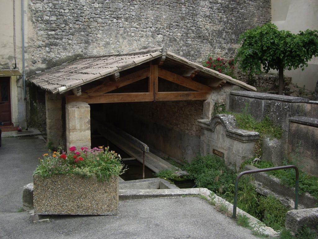 Fontaine Basse   Bastide des Jourdans   Sud Luberon