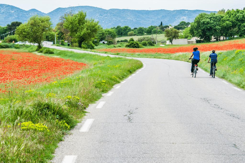 Vélo en pays d'Aigues dans le Luberon Sud Tourisme